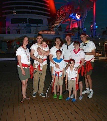 How to Pack for a Disney Cruise at StreamlinedLivingOh.com
