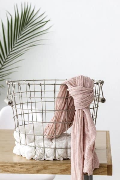closet organizing tips with wire basket